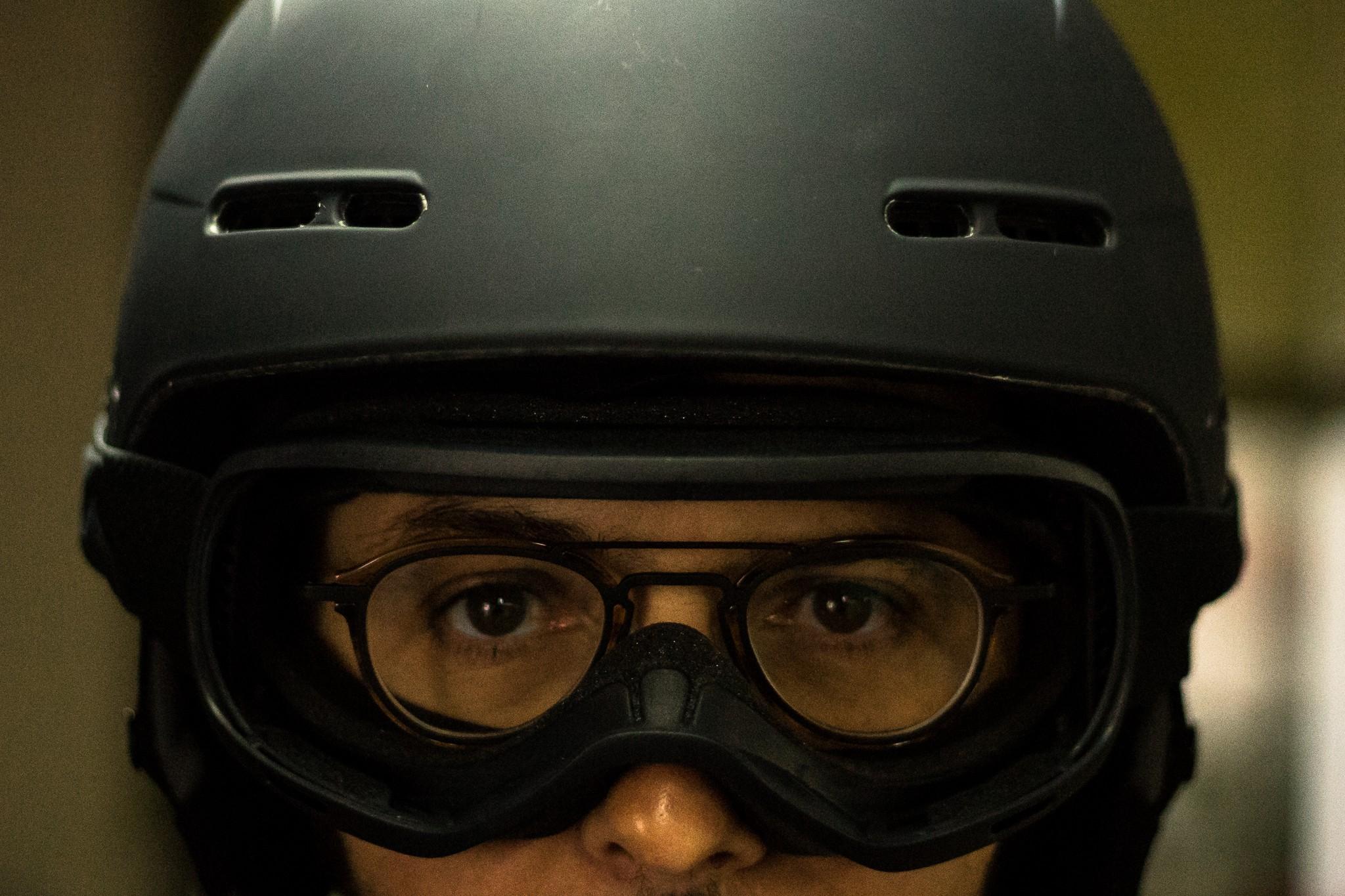 Casque moto pour porteur de lunettes